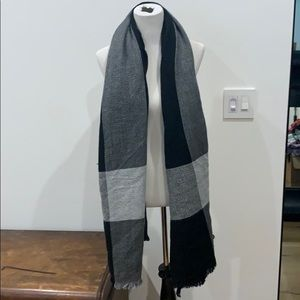 Large scarf/wrap new